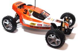 Kyosho_Maxxum_run02_01