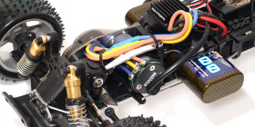 Kyosho_Maxxum_run02_09
